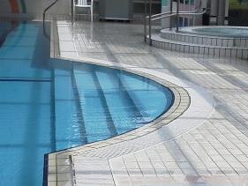 プール用施工写真1